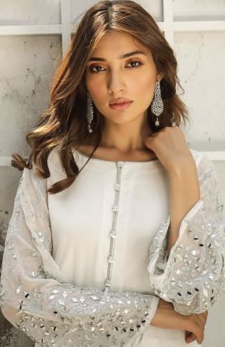 Natasha-Kamal-partywear