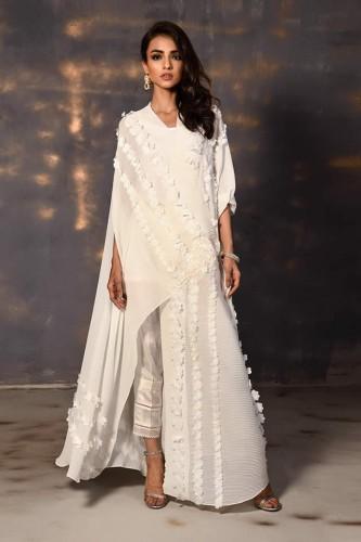 Wardha Saleem dresses
