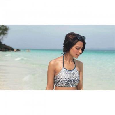 iqra aziz-beach Pics