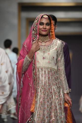 Deepak Perwani Bridal dresses collection 2019