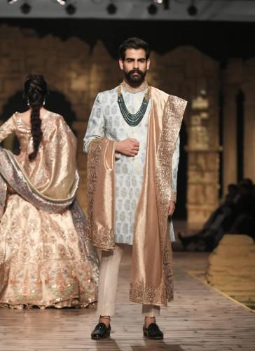 Nilofer Shahid Wedding collection 2020