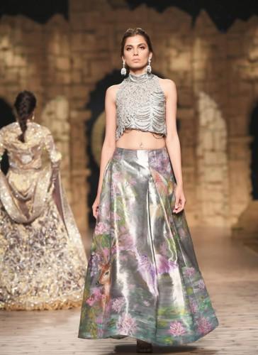 Nilofer Shahid Bridal Dresses Collection 2020