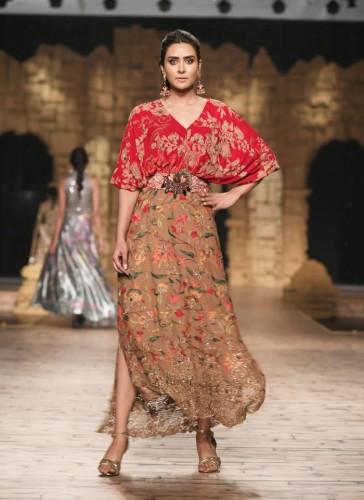 Nilofer Shahid New Dresses 2020