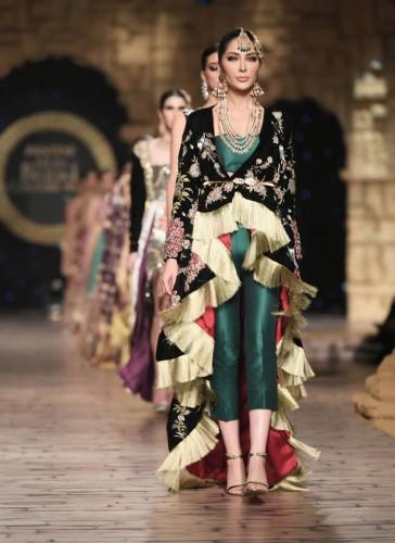 Reema Ahsan Outfits